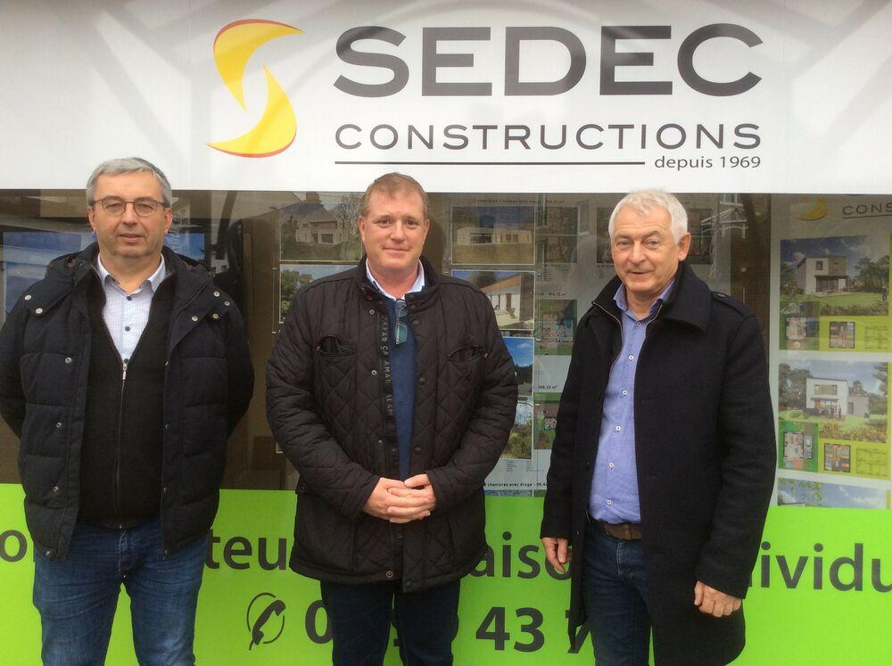 Dominique Brullé, dirigeant Sedec Constructions, Sébastien Trouvé, responsable d'agence de Fougères, et Pierrick Chatelet associé Sedec Constructions.